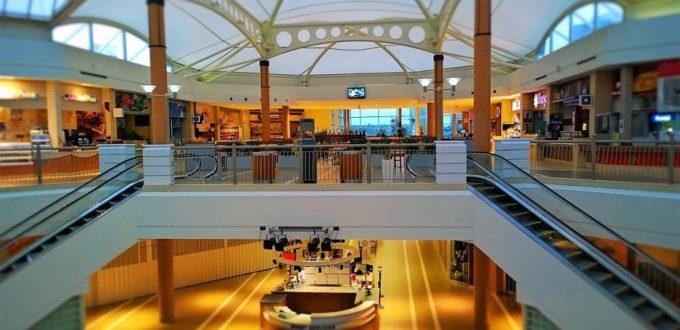 Einkaufszentrum, Shopping Mall, Kundenstopper, Werbung und Marketing