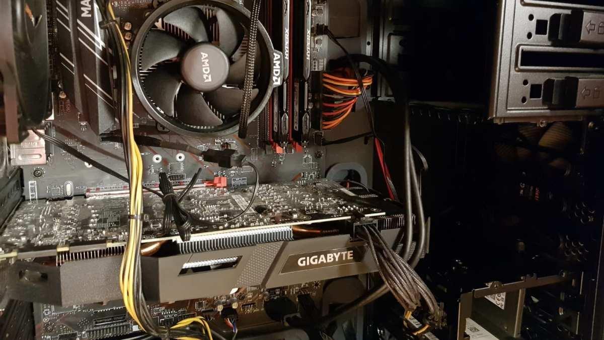 MSI Mainboard und AMD RYZEN in einem bequiet Gehäuse